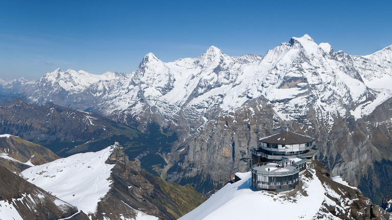 Schilthorn (from Mürren) - 007 film location with a 360° panoramic view